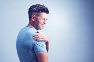 Welke oefeningen kan ik zelf doen bij schouderklachten